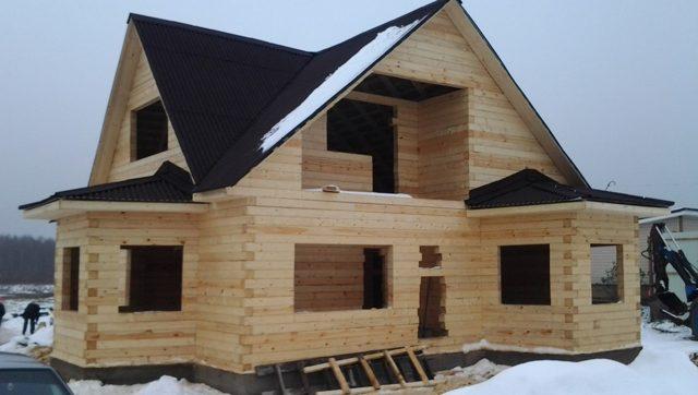 Строительство деревянного дома под усадку